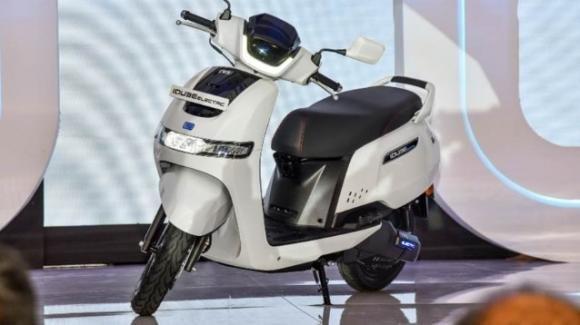 TVS iQube: presentato il nuovo scooter elettrico smart a zero emissioni