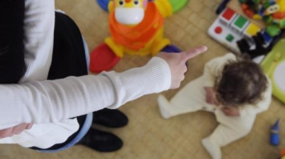 Ragusa, maltrattamenti su bambini dell'asilo: arrestate due maestre