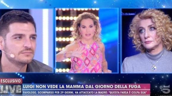 Live – Non è la D'Urso, Luigi Mario Favoloso contro tutti