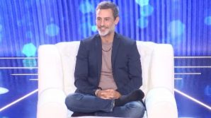 """Live, la D'Urso rivela: """"Io e Raz Degan siamo andati a letto insieme"""". Lui risponde alle accuse della Barale"""