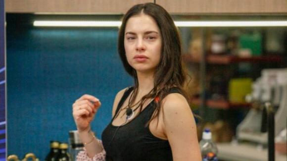 GF Vip: Carlotta Maggiorana non sta bene, vuole tornare a casa
