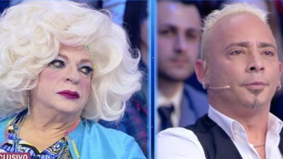 """Live – Non è la D'Urso, duro scontro tra Platinette e Salvo Veneziano: """"Sei ancora lo sf***to di venti anni fa"""""""