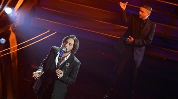 Prima serata di Sanremo, guidano la classifica Le Vibrazioni