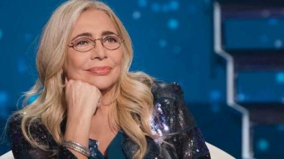"""Mara Venier, matrimonio in vista: """"Nicola me lo chiede tutti i giorni"""" e la verità sul malore a Domenica In"""
