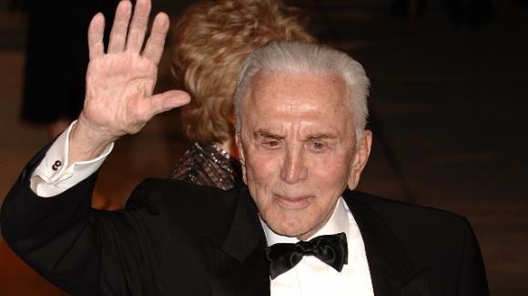 Kirk Douglas, il leggendario attore e produttore si è spento a 103 anni