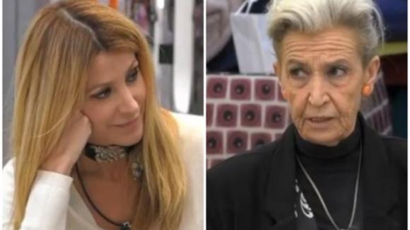 """GF Vip, Barbara Alberti affonda Adriana Volpe: """"Le donne forti ti danno fastidio"""""""