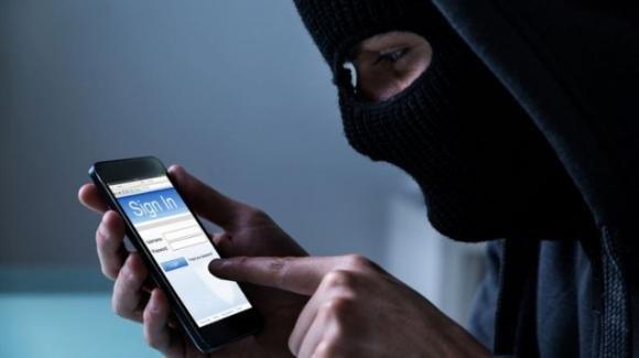 Attenzione: scoperti due pericolosi attacchi hacker agli smartphone