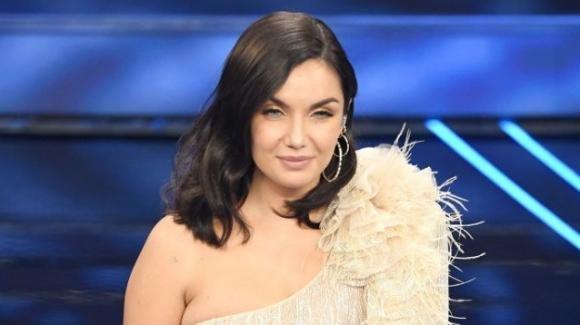 """Sanremo 2020: Elettra Lamborghini spiazza la critica con """"Musica (e il resto scompare)"""""""