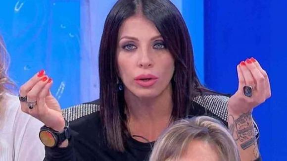 """U&D over, durante la sfilata degli uomini Tina attacca Valentina Autiero: """"Fate pena, senza cervello"""""""