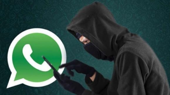 """WhatsApp: attenzione al """"virus di San Valentino"""""""