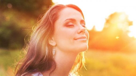 I 4 benefici del sole rimasti sconosciuti: fa bene all'organismo, alla pelle e anche all'umore
