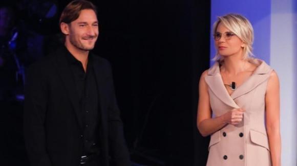 C'è posta per te, anticipazioni 22 febbraio: Massimo Ranieri e Francesco Totti ospiti di Maria De Filippi