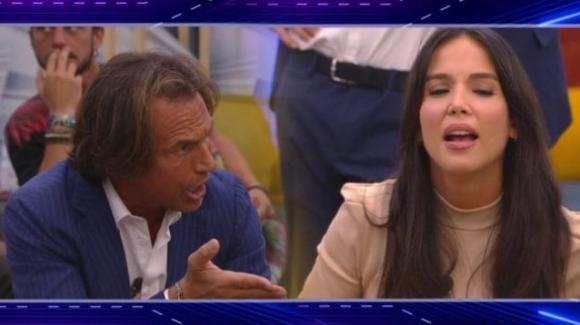 """Grande Fratello Vip, lite tra Antonio Zequila e Paola Di Benedetto: """"Nella tua vita non hai mai fatto niente"""""""