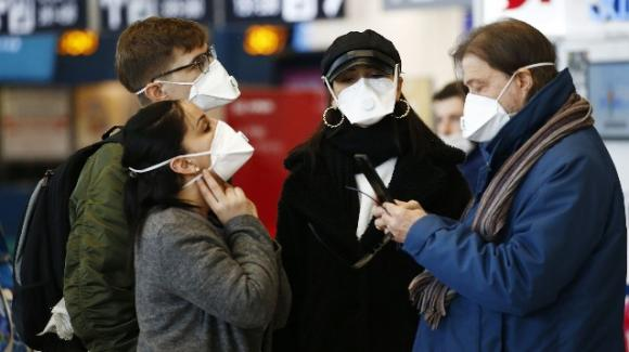 Coronavirus, Amuchina e mascherine con valvola vendute online a 200 euro