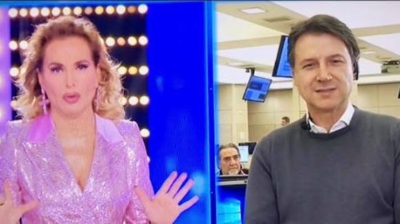 """""""Live – Non è la D'Urso"""", """"Le Iene"""" e """"Mattino Cinque"""" senza pubblico in studio a causa del Coronavirus"""