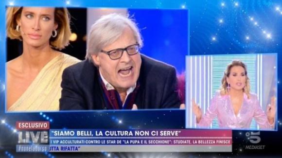 Live – Non è la D'Urso, volano insulti pesanti tra Vittorio Sgarbi e Barbara D'Urso