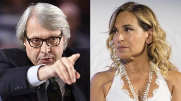 """Vittorio Sgarbi vuole denunciare Barbara D'Urso dopo la lite a """"Live – Non è la D'Urso"""""""