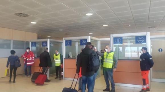 Coronavirus, arriva il caro-voli: biglietti per la Sicilia fino a 400 euro