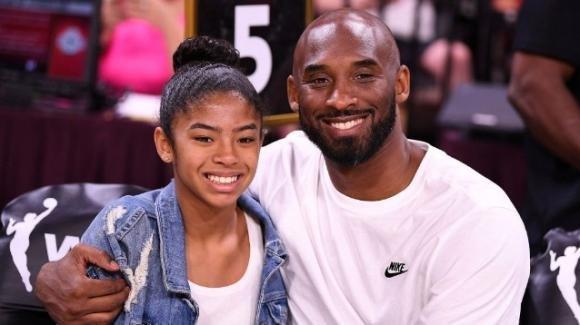 Kobe e Gianna Bryant: Vanessa in lacrime durante il funerale