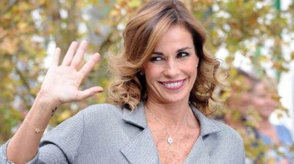 Cristina Parodi diventa stilista e cambia il suo look