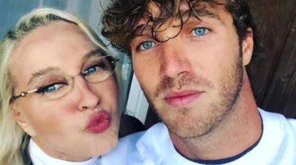 """GF Vip, Paolo Ciavarro parla della madre Eleonora Giorgi e ammette: """"C'è freddezza"""""""