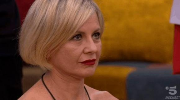 """Grande Fratello Vip, Antonella Elia si sfoga con Adriana Volpe: """"Voglio isolarmi dal gruppo"""""""