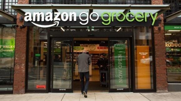 Arriva il 1° supermercato senza cassa e cassieri di Amazon. Tutto questo è quasi una realtà