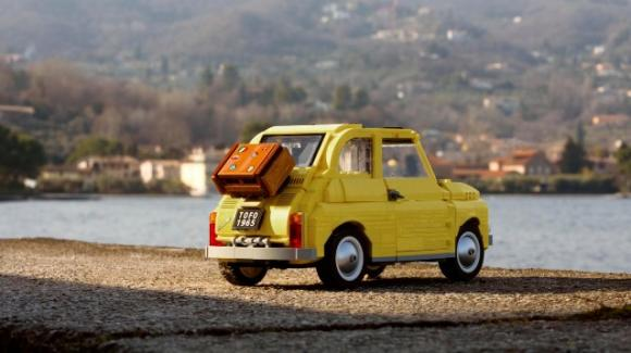 Lego Creator: ecco la tanto attesa Fiat 500 fatta di mattoncini