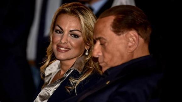 Silvio Berlusconi e Francesca Pascale si sono lasciati ufficialmente: il comunicato