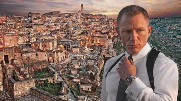 Bond 25, uscita rinviata causa Coronavirus