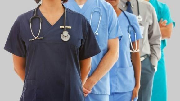 Decreto Coronavirus: 20.000 assunzioni senza concorso per medici, infermieri e operatori sanitari