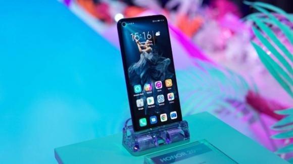 Honor View 20 riceve Android 10 anche in Italia: ecco le novità introdotte