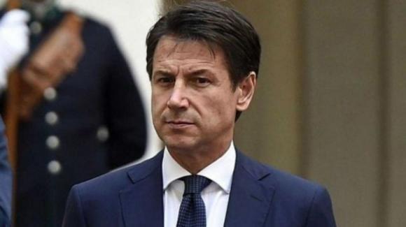 """Coronavirus, le dichiarazioni di Giuseppe Conte: """"Tutta l'Italia è zona rossa"""""""