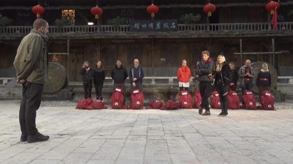 """Pechino Express 8, riassunto della quinta puntata: la lite tra """"Mamma e figlia"""" e """"Le Top"""""""