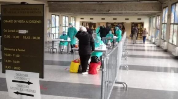 Coronavirus: gli ospedali di Brescia sono al collasso