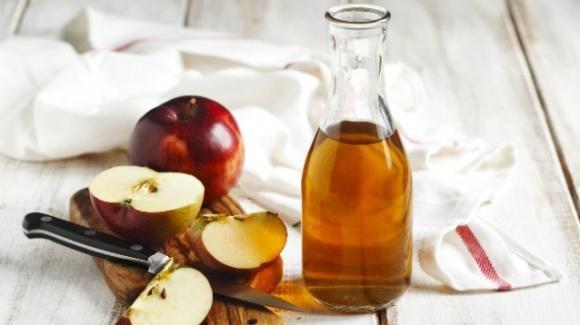Aceto di mele: i consigli per regolare il livello di glicemia nel sangue