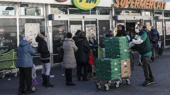 Coronavirus: i ricercatori cinesi osservano che a Roma ci sono ancora troppe persone in giro