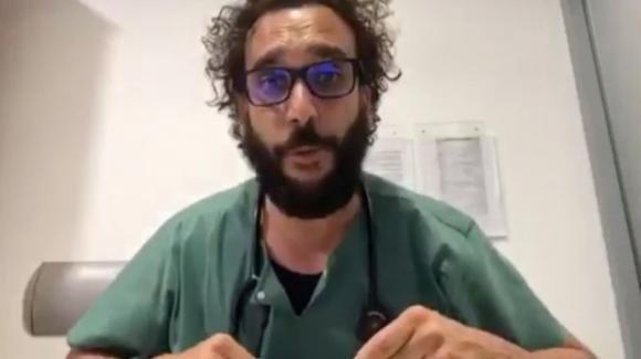 Empatia e solidarietà sono fondamentali per combattere il coronavirus: l'appello di un medico spagnolo