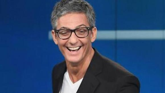 Fiorello torna in tv: tre show in prima serata per #iorestoacasasurai1