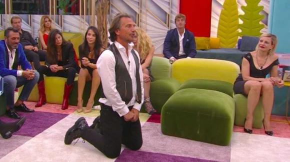 GF Vip, Antonio Zequila sorprende tutti: chiede alla sua compagna Marina di sposarlo