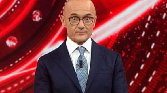 GF Vip, gaffe di Alfonso Signorini. Antonella Elia lo attacca in puntata