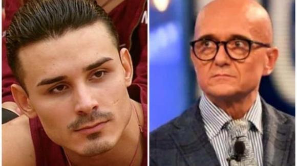 """Amici 19, il duro commento di Alfonso Signorini su Valentin Alexandru: """"Omofobo e maleducato"""""""