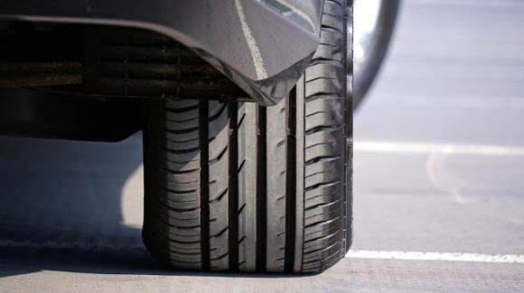 L'usura degli pneumatici è mille volte più inquinante dei gas di scarico dei motori