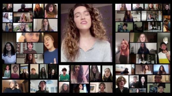 """Coronavirus: il """"Coro Che Non C'è"""" si esibisce utilizzando una app per videoconferenze"""