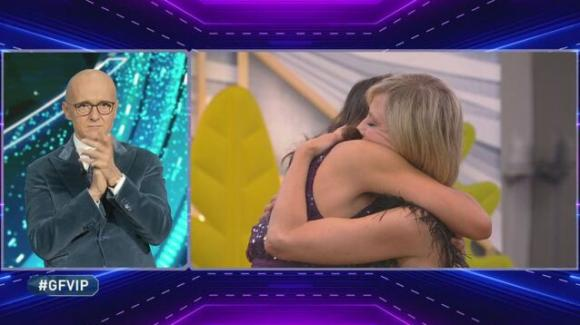 GF Vip, va in scena la pace tra Antonella e Fernanda. La Lessa viene eliminata dal gioco
