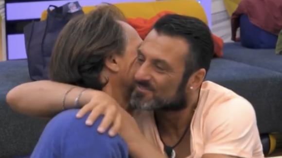 Grande Fratello Vip, pace fatta tra Sossio Aruta e Antonio Zequila