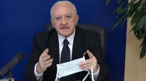 Vincenzo De Luca accusa la Protezione Civile di aver dato alla Regione Campania le mascherine del coniglietto Bunny