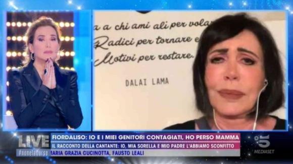 """Live – Non è la D'Urso, Fiordaliso in lacrime ricorda la madre: """"È morta a causa del Coronavirus"""""""