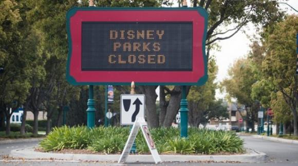Coronavirus: licenziati dopo la chiusura di Disney World, 200 italiani bloccati in Florida. Interviene la Farnesina