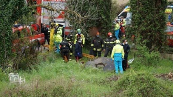 Arezzo, uccide la figlia di 4 anni e tenta il suicidio: era in cassa integrazione